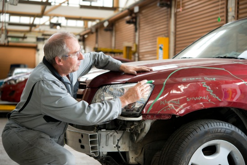 Selling Your Vehicle? You Need Professional Help for Those Minor Repairs